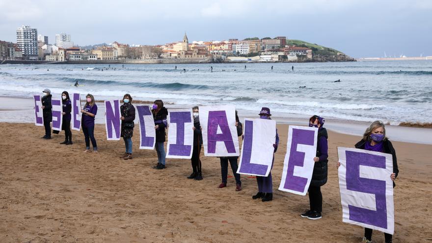 """Asturias, con las mujeres """"esenciales"""", prepara el 8M"""