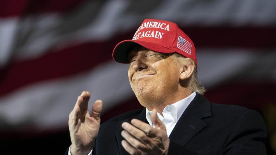 Millones de estadounidenses pierden su ayuda al desempleo al no firmar Trump el nuevo plan