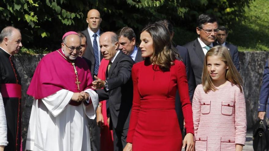 El Arzobispo de Oviedo agradece al Rey su valentía en defensa de la convivencia
