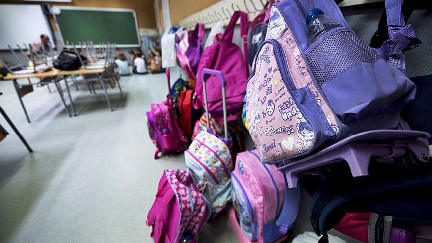 La ley Celaá obliga a contratar más docentes en los colegios de zonas desfavorecidas