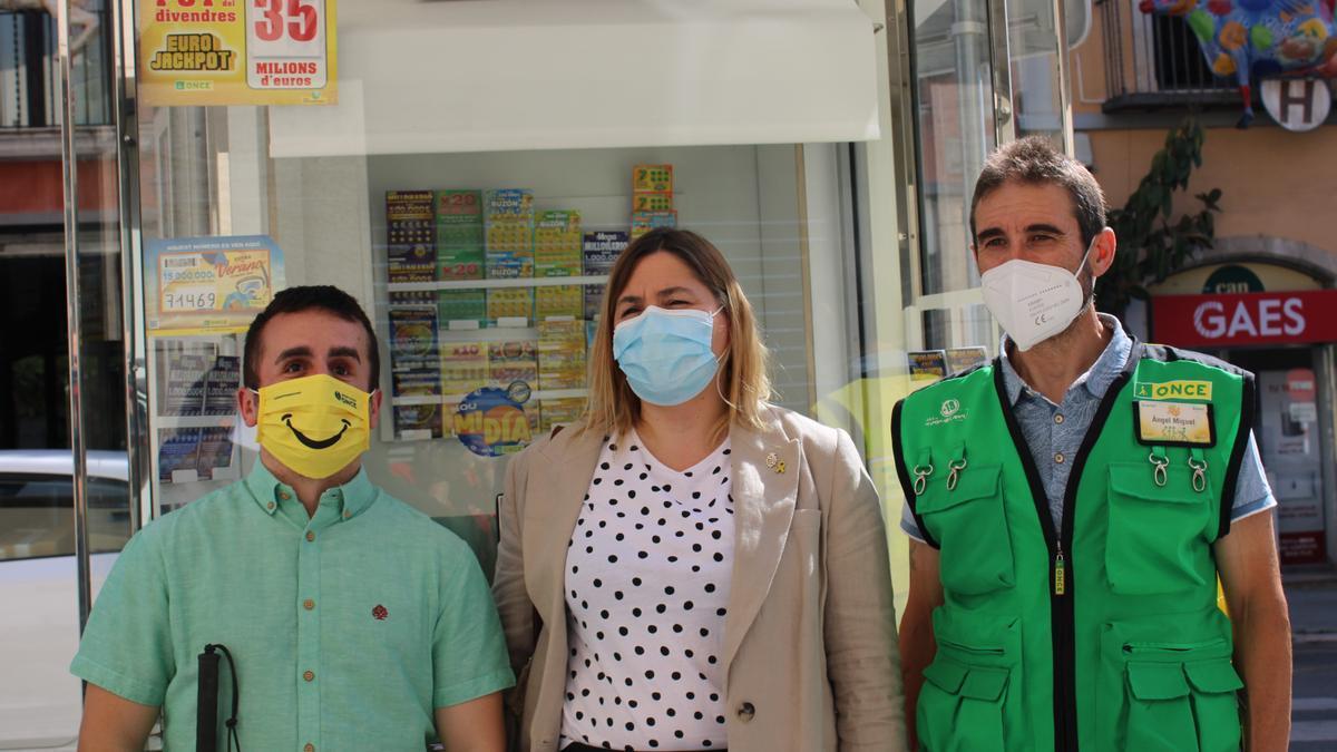 L'alcaldessa de Figueres amb els representants de l'Once