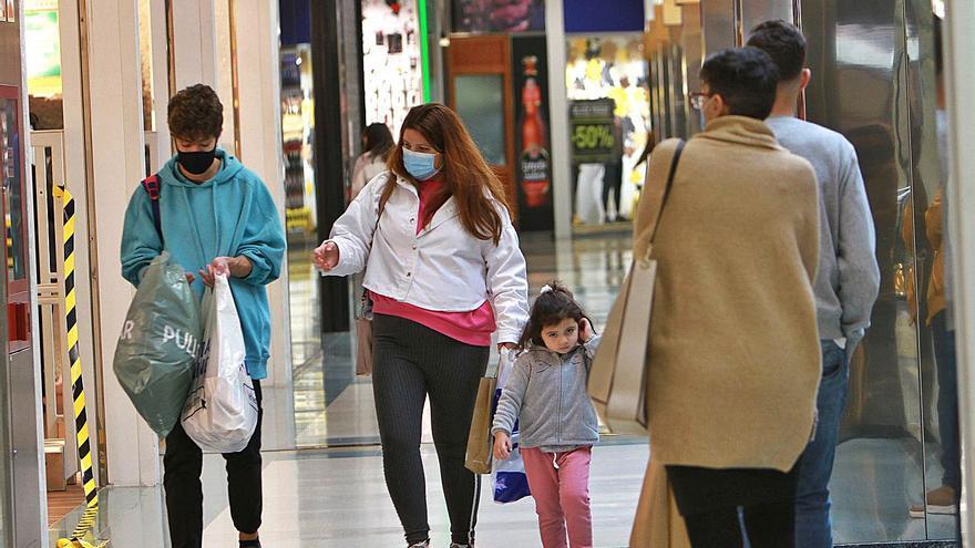 Ourense inicia la desescalada navideña con un aumento de casos tras un mes de bajada