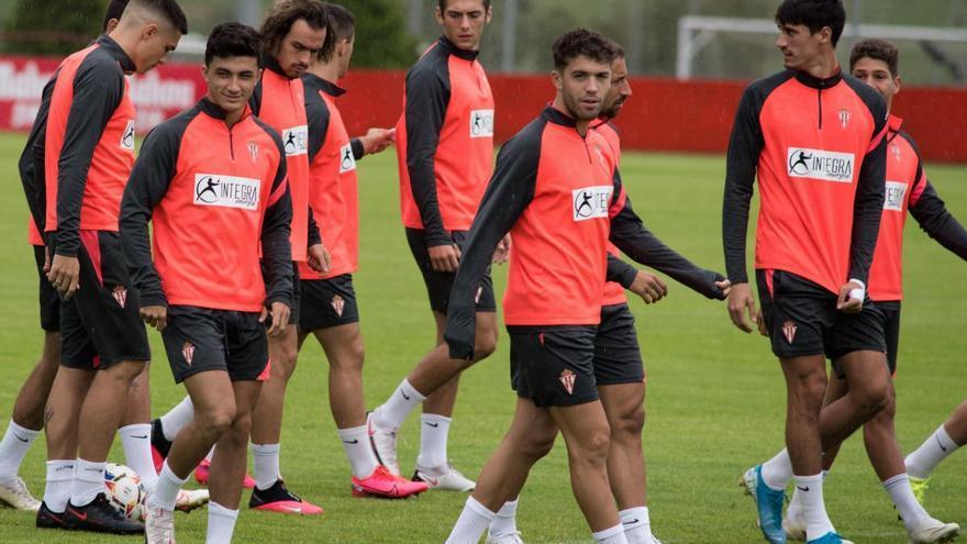 Nacho Méndez y Pelayo Suárez, novedades del Sporting para recibir al Tenerife