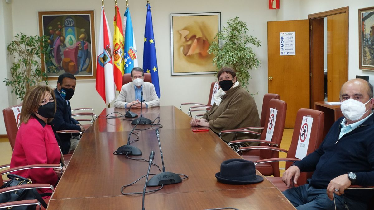 Reunión de la ONG con el alcalde, Abel Caballero, y la concejala Yolanda Aguiar