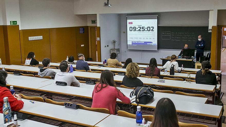 Educación certifica el C1 de Valenciano a 700 alumnos de la UA a instancias del Síndic de Greuges