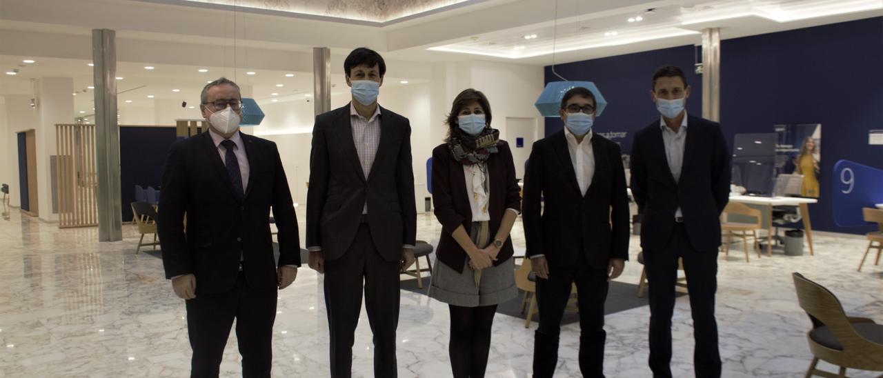 BBVA inaugura un nuevo modelo de oficina en el Cantón