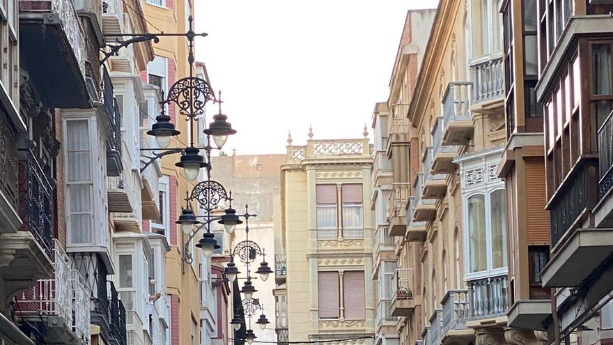 Los cartageneros despiden el toque de queda en las calles