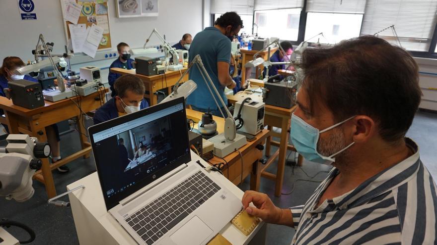 La Escuela de Joyería y Fundación Prode inician un proyecto de teleformación para personas con discapacidad