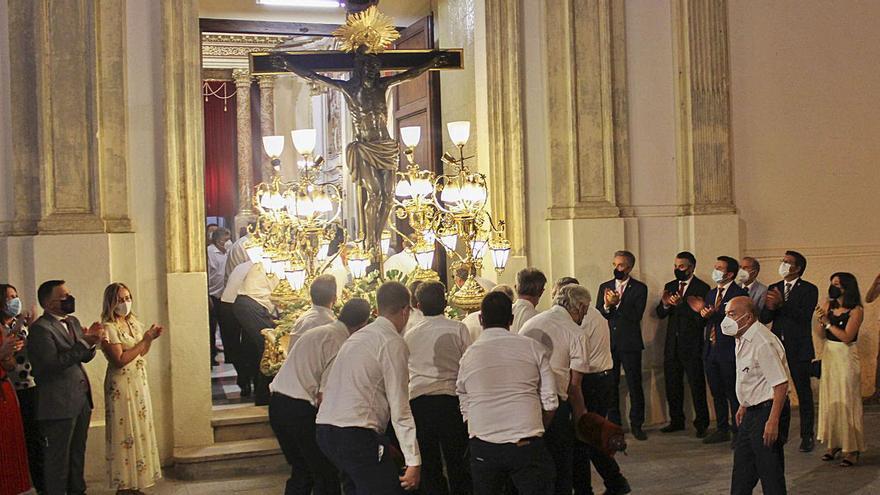 El Trasllat del Crist de l'Agonia pone fin a los festejos extraordinarios