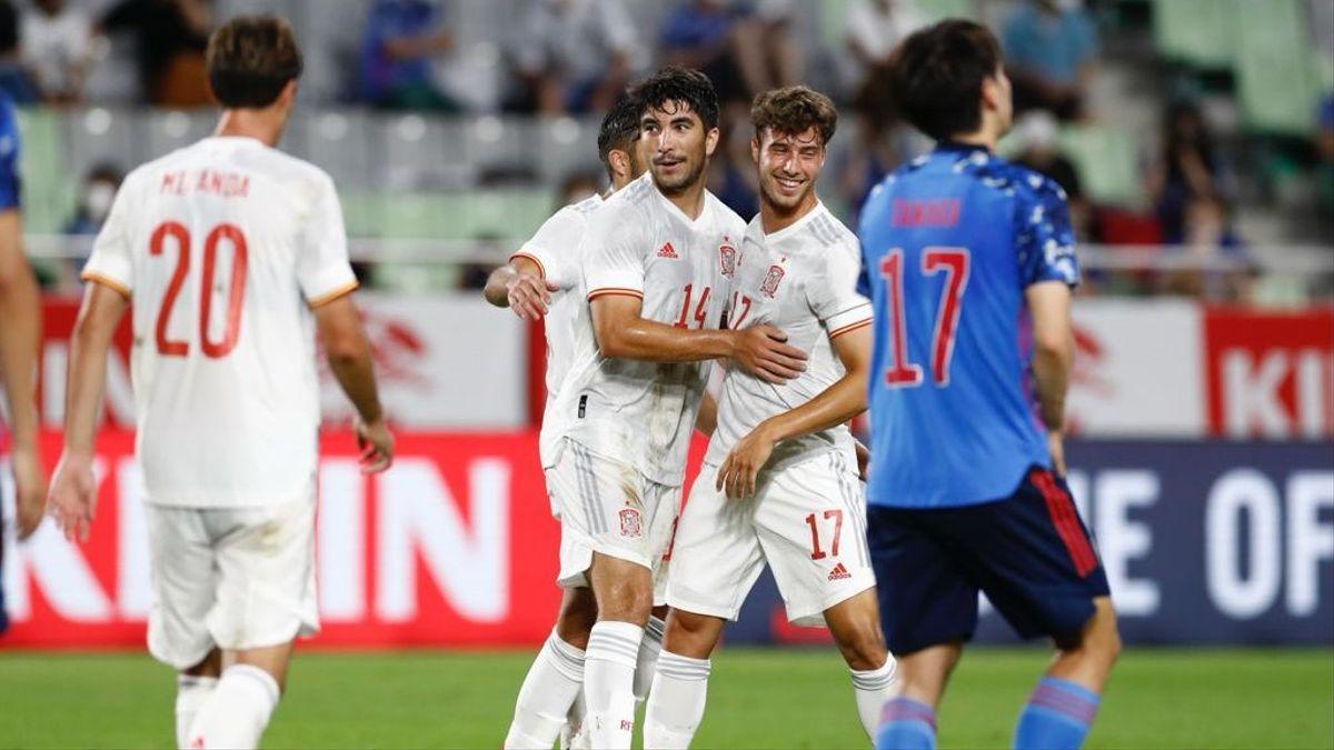 Soler y Puado, protagonistas del tanto del empate de España en Japón.