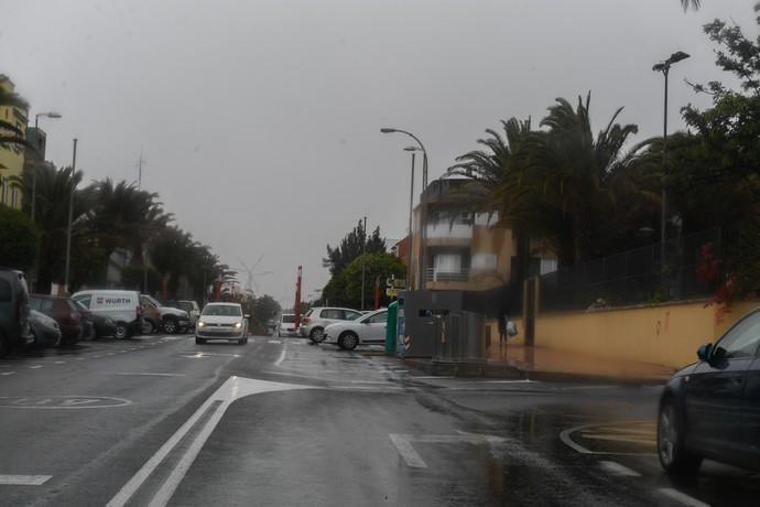 26-03-20  GRAN CANARIA.PLAYA DE ARINAGA.  AGUIMES. Lluvia y obstrucción del alcantarillado en Playa de Arinaga.  Fotos: Juan Castro.  | 26/03/2020 | Fotógrafo: Juan Carlos Castro