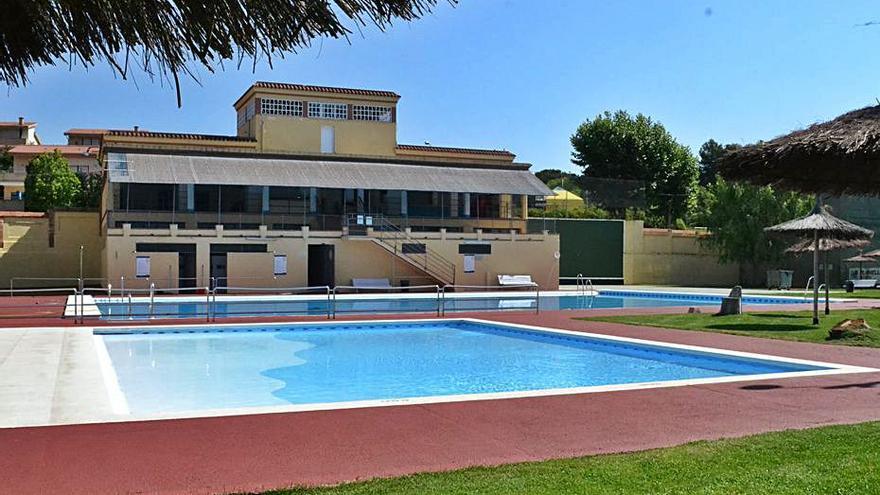 Igualada posa en servei la piscina municipal d'estiu abans de Sant Joan