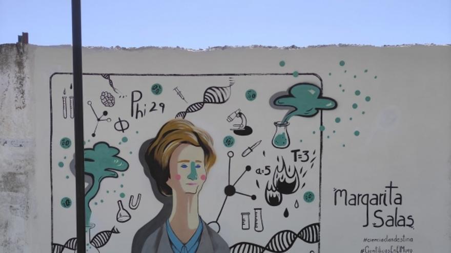 Un mural en Belmez recuerda la figura de la investigadora Margarita Salas