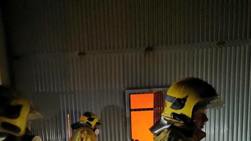 Detenido por el incendio intencionado de una nave de Can Valero