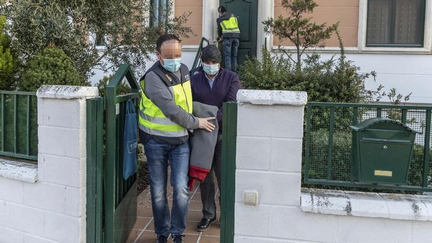 Detención del jefe de Parques y Jardines de Zamora en su domicilio.