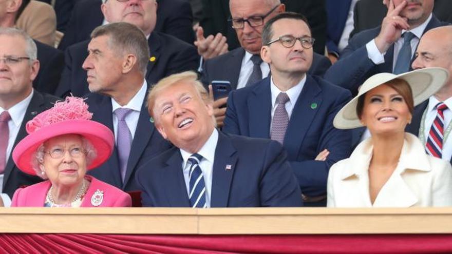 Isabel II y Trump homenajean a los veteranos de Normandía