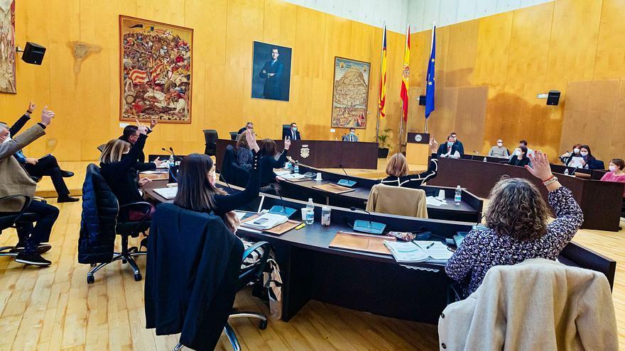 El PP de Benidorm aprueba el presupuesto entre duros reproches de la oposición