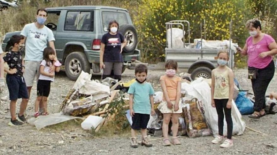 Segona jornada de neteja de l'entorn organitzada pel Banc de Temps de Piera