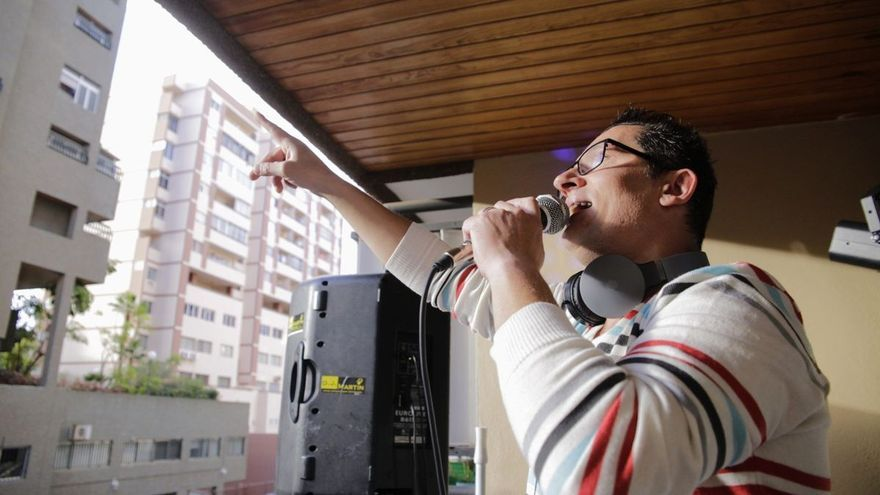 Un empresario canario abona las multas interpuestas al 'Dj del balcón'