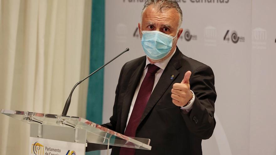 Torres confía en que el 23 de junio estén vacunados más del 60% de los canarios