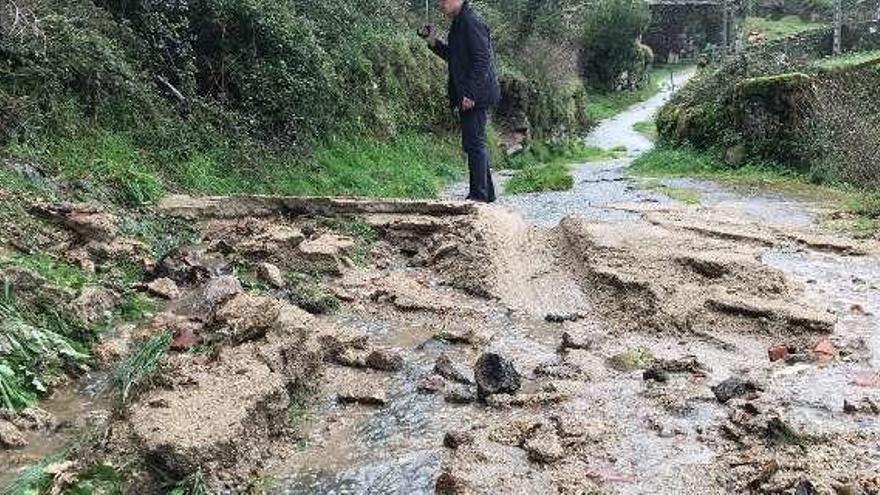 El temporal provoca desprendimientos en A Lama, especialmente en Paradela
