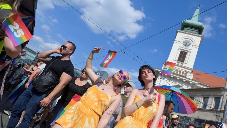 Budapest se rebela contra Orbán y marcha contra la homofobia