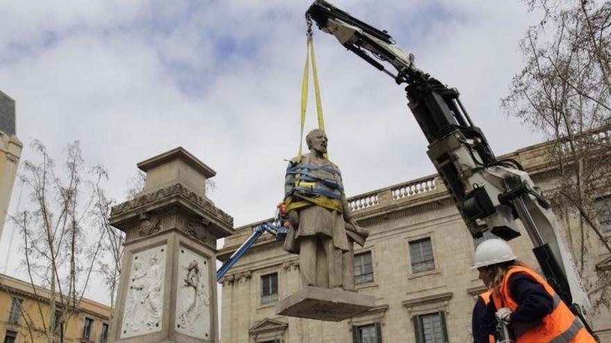 Barcelona retira la estatua de Antonio López, acusado de vender esclavos