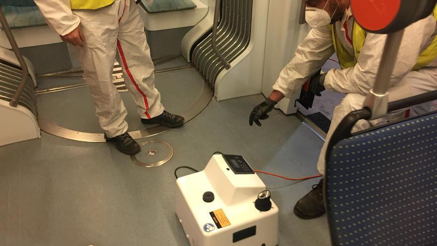 El Consell refuerza la desinfección de los tranvías de Alicante con una técnica que elimina cualquier posible resto de covid