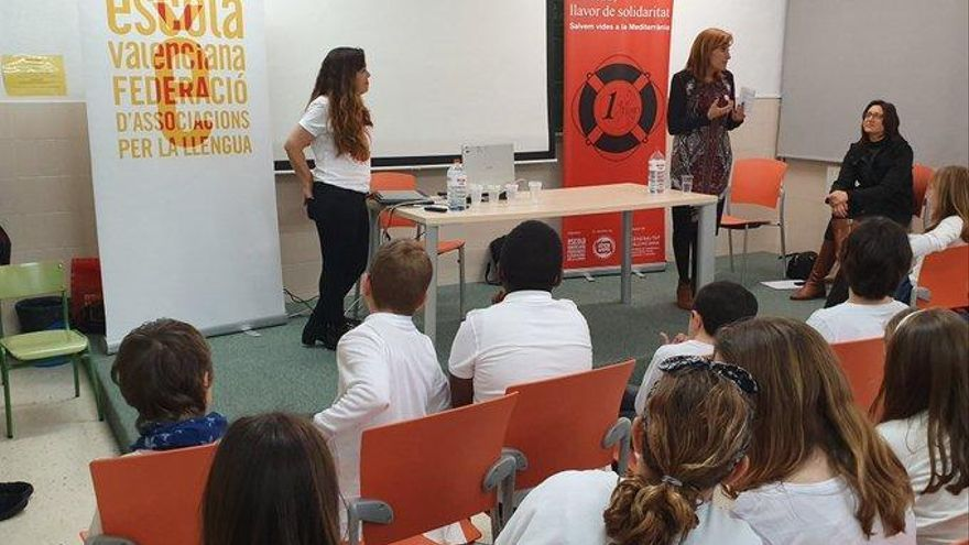 Los escolares se suman a la campaña del Día de la Paz por los emigrantes y refugiados