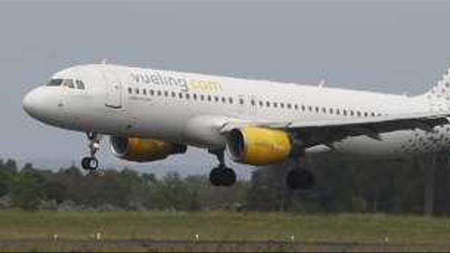 Tres nuevos vuelos estivales con Asturias: Ibiza, Menorca y Tenerife Norte