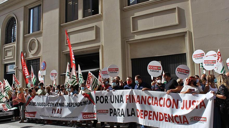 CCOO afirma que faltan 1.500 trabajadores en el ámbito de la dependencia en Málaga