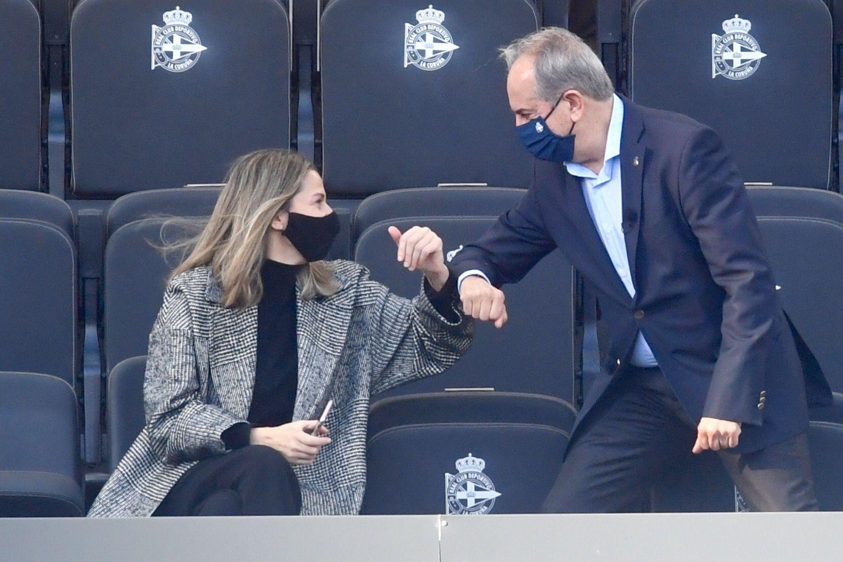 El nuevo consejo del Deportivo se estrena en el palco de Riazor