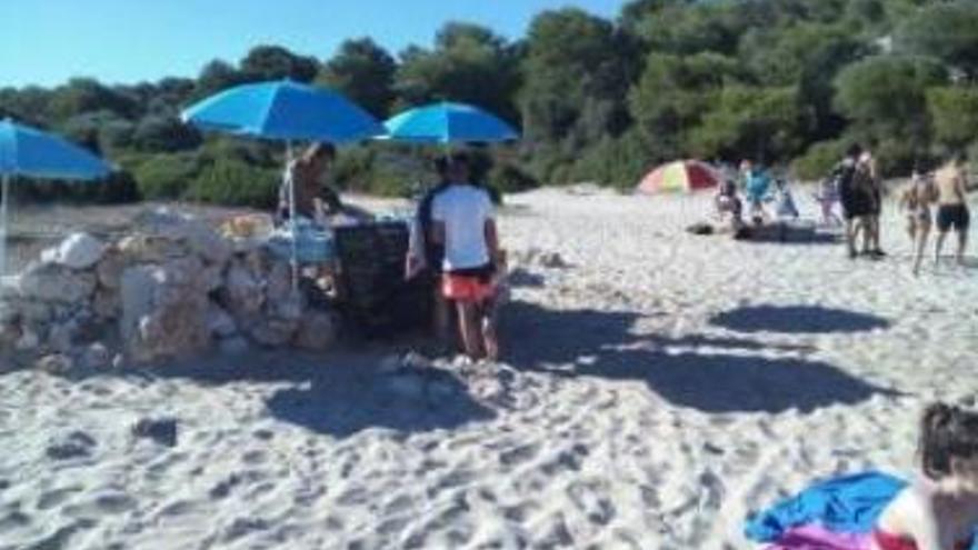 Balearen-Regierung hat genug von illegaler Bar am Hippie-Strand Cala Varques