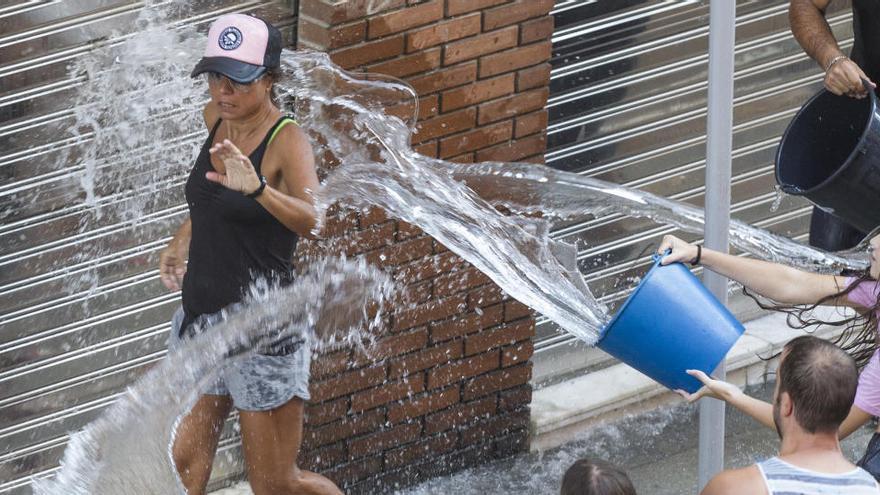 El Raval Roig y San Roque suspenden sus fiestas de 2020 por el coronavirus