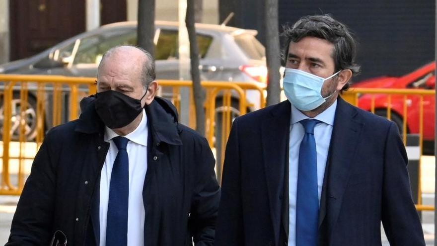 La Fiscalía pide incautar el móvil a Fernández Díaz para comprobar los mensajes