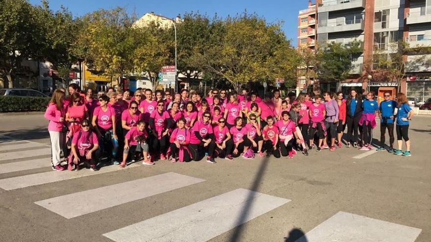 Marea rosa amb 3.315 corredores a la Cursa de la Dona de Figueres