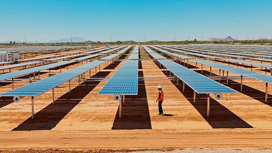 """Marín, seguro de que habrá """"diálogo y sensatez"""" en la Junta sobre la instalación de megaparques solares"""
