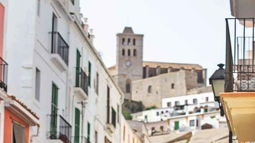 Josep Vallribera: «En Ibiza hay una tradición de artistas y todos se merecen tener un espacio»
