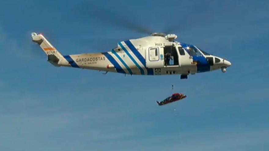 Rescatada en helicóptero una menor que se cayó en unas pozas de A Pobra