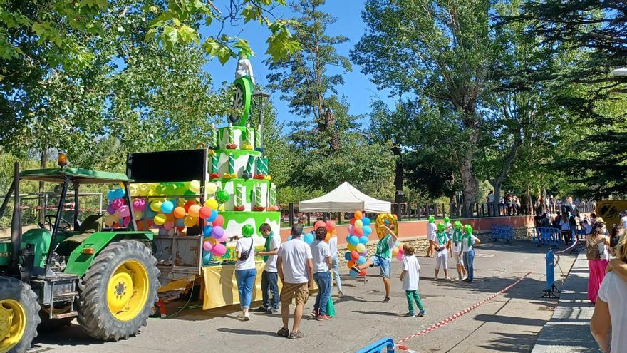 Puigcerdà tanca la Festa de l'Estany amb una rua de carrosses estàtica
