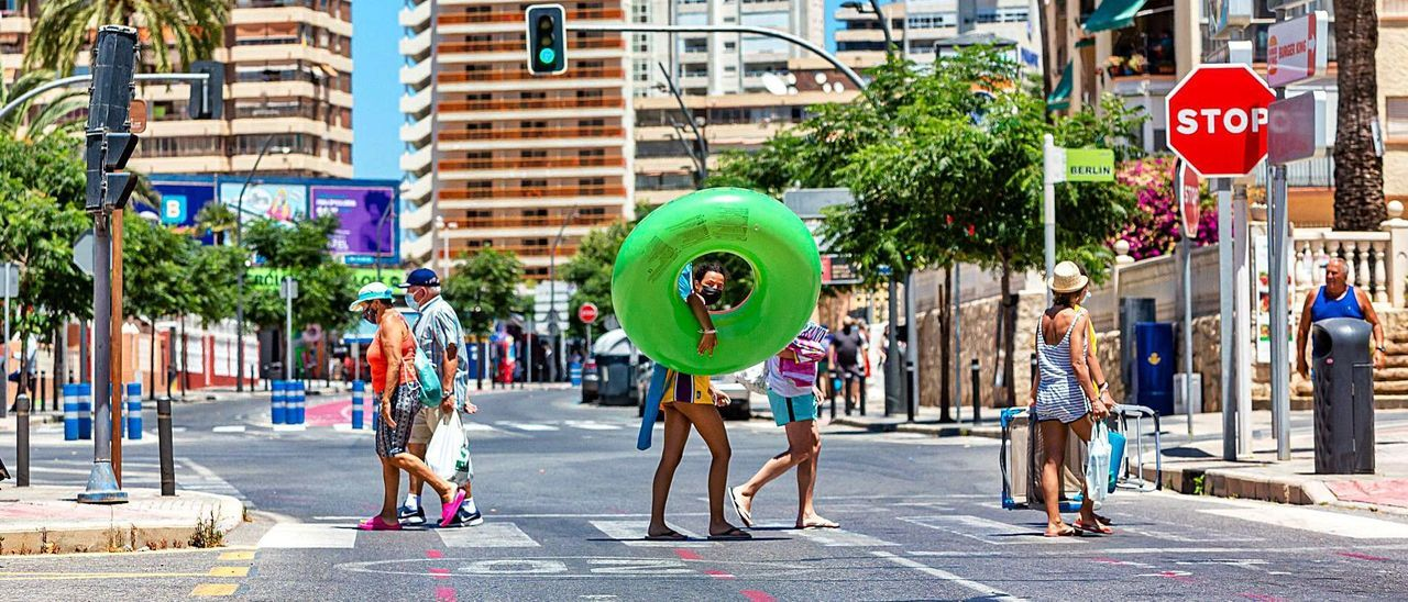 El turismo español está ayudando a mantener el tipo en un mes de julio en el que el sector está en una auténtica «montaña rusa»