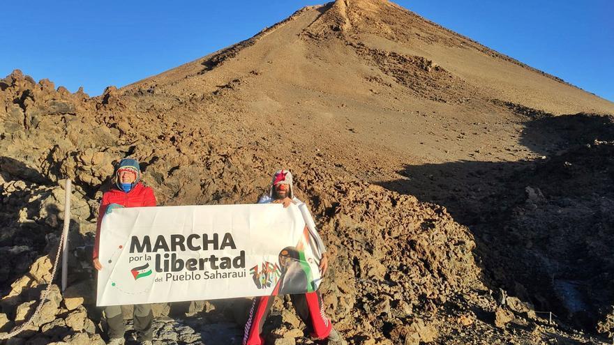 'Sáhara Libre' llega a la cima del Teide
