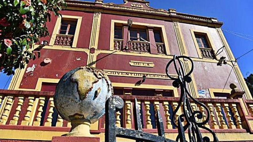 """Carballada ve """"injustificada"""" la demora del Concello en la reforma de la Juventud"""