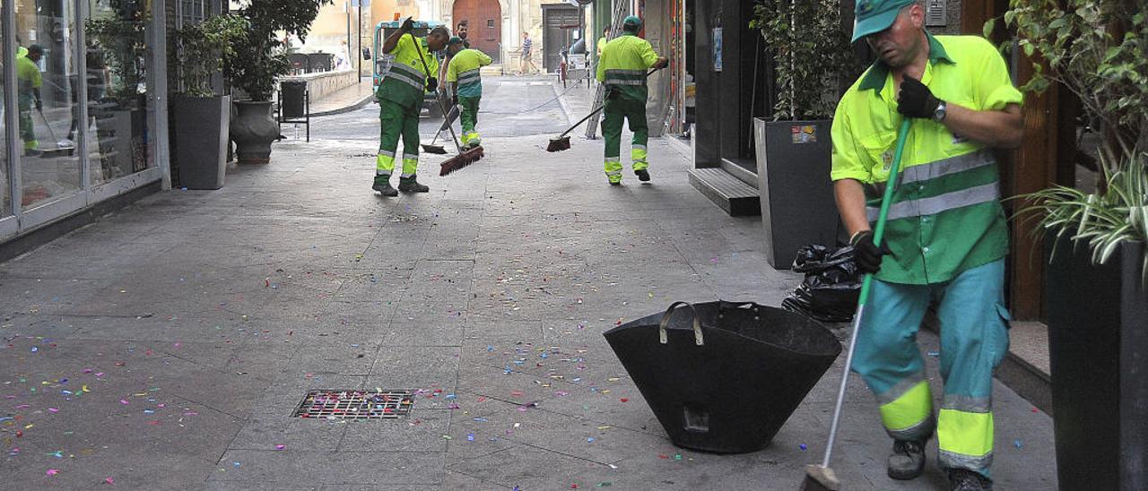La nueva contrata de basura no prevé más plantilla mientras el comité de empresa urge de un 15 a un 20% más