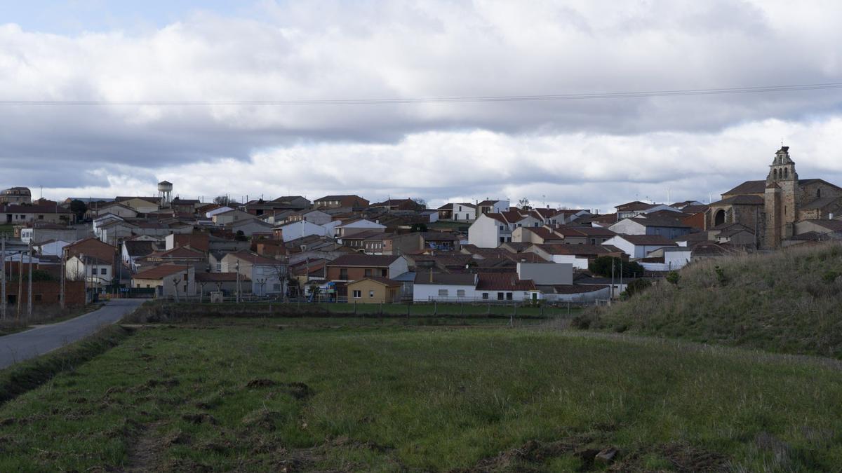 Vista del pueblo de La Hiniesta