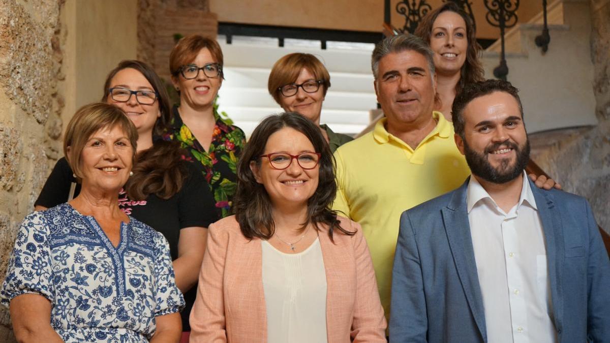 La consellera d'Igualtat, Mónica Oltra, con el alcalde, regidores y técnicos en una visita a Albaida hace unos meses
