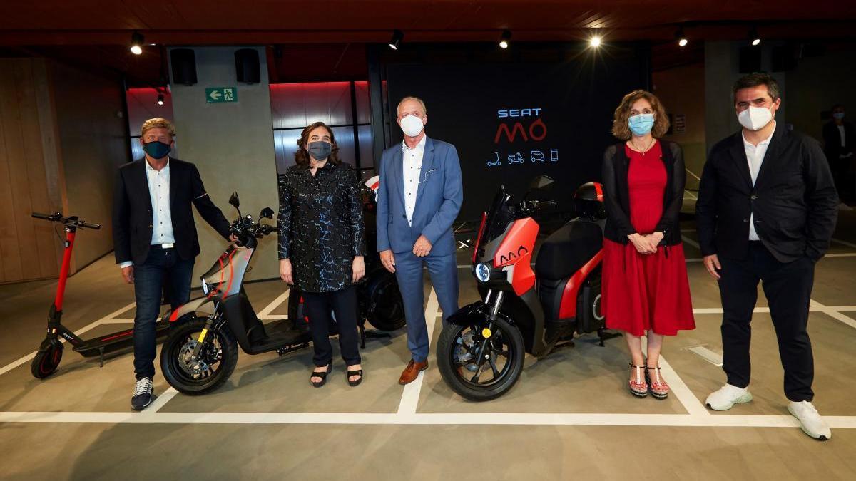 Presentación del patinete y las dos modelos de moto de Seat MÓ.