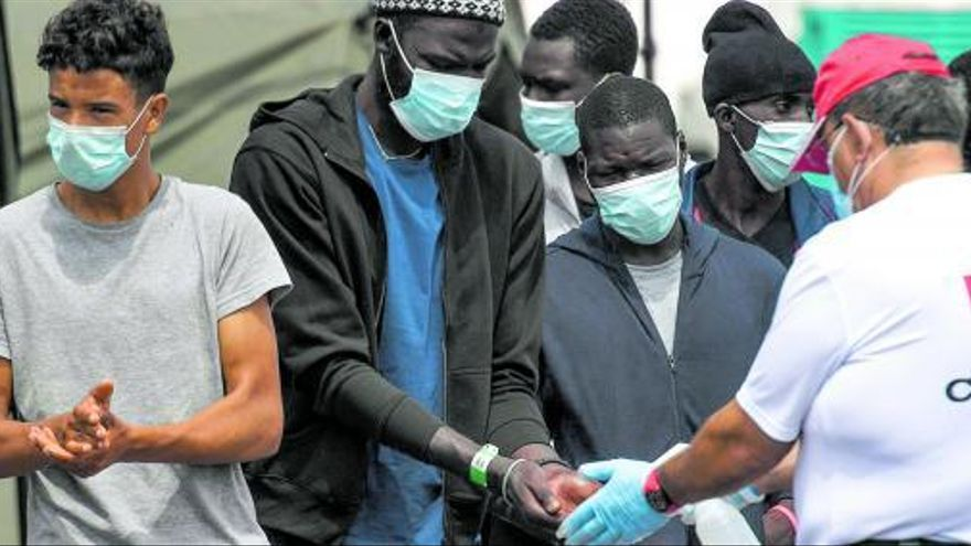 Pescadores y 'fake news', las claves de la huida de Senegal