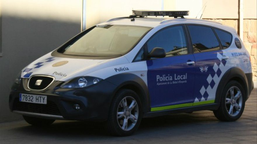 Detenen un menor per robar en un cotxe a la Bisbal