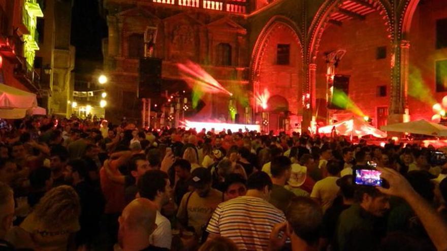 Así se vive Motroland en la noche de Alcañiz
